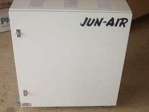 JUN AIR 1000 5S QUITE AIR COMPRESSOR   FOR CLEAN ROOM, DENTAL, MEDICAL