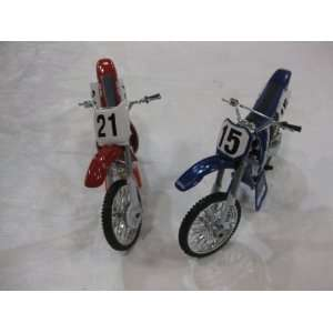 Diecast Honda Dirt Bike Edition #S 15 and 21 in a 124