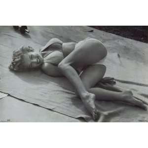 Marilyn Monroe 23x35 Beach Blanket Poster 1994 Everything