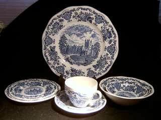 Wedgwood Royal Homes of Britain Blue Dinner Plates 2