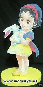 Baby Snow White birthday party centerpiece decoration