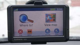 The Garmin Edge series of cycling computers is roughly split into two categories: Those that have a mapping function, and those that don't. Mapping in this case means that the units also have routable navigation – just like your car GPS does.