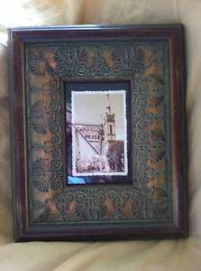 Green Tree Gallery Wooden Photo Frame 4 x 6 Antiqued Look