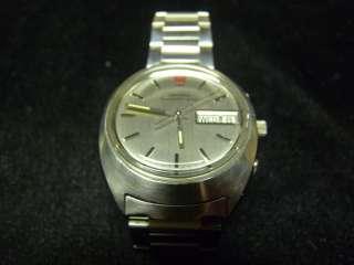 32KHZ Omega Megaquartz Mens Stainless Steel Wrist Watch Day Date