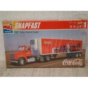 AMT Snapfast Coca Cola 132 Volvo Tractor Trailer Toys & Games