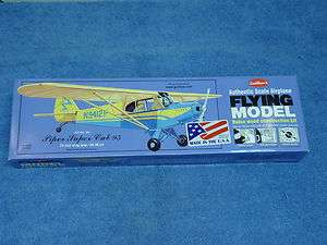 GUILLOWS PIPER SUPER CUB 95 BALSA FLYING MODEL AIRPLANE KIT #303 24
