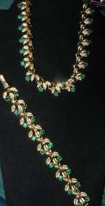 VINTAGE COSTUME JEWELRY CORO GREEN EMERALD STONE NECKLACE AND BRACLET