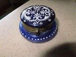 ANTIQUE ART GLASS BEAUTY PATCH BOX COBALT HEAVY ENAMEL DECORATION