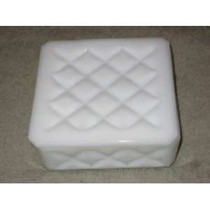 Vintage Westmoreland White Milk Glass Trinket Box   4 1/4