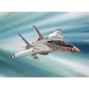 com F 14 Tomcat SnapTite Revell Model Kit   1100 Scale Toys & Games