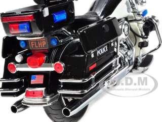 diecast model of 2011 harley davidson flhrc road king black white