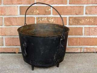 PRE 1875 CAST IRON #8 COOKING KETTLE GATE 3 FEET TIP RING CAMPFIRE #2