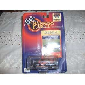 Circle Deluxe Race Hood Series #3 Dale Earnhardt 1988 Goodwrench