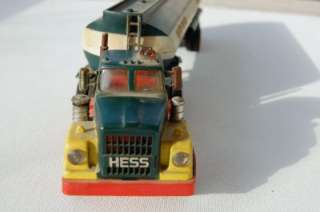 HESS TOY TRUCK TANKER TRACTOR TRAILER MARX 1968 69 HONG KONG 1977 BOX